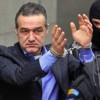 Gigi Becali le cere românilor să voteze cu Ponta