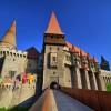 """Castelul Corvinilor (Huniazilor), în topul """"castelelor de poveste""""!"""