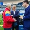 Cioloș îi încurajează din tribună pe tricolori!
