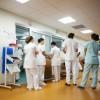Serviciile medicale private îi atrag pe români