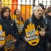 Protest (mut) în fața sediului PSD Sibiu