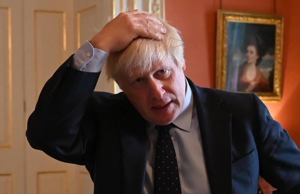Guvernul britanic va interzice folosirea antenelor 5G până la finele anului 2020