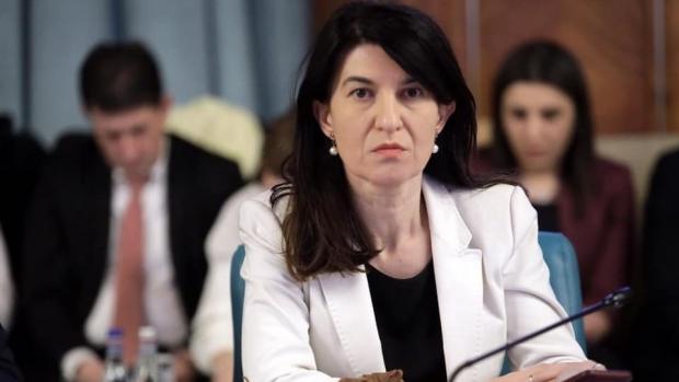 Violeta Alexandru, implicare totală. Ministrul Muncii corectează eroarea prin care, timp de 16 ani, o femeie a primit o pensie mai mică decât cea cuvenită!