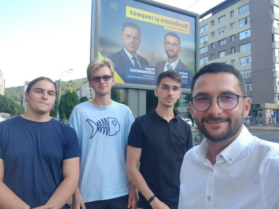 Sebastian Burduja şi Andrei Carabelea şi-au lansat ...  |Andrei Carabelea