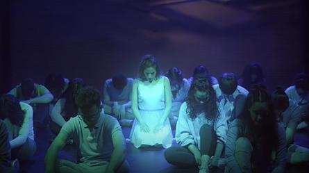 """Teatrul muzical ,,Awakening""""- un proiect UVT cu dublă prezentare, în scenă clasică și în manieră cinematografică"""