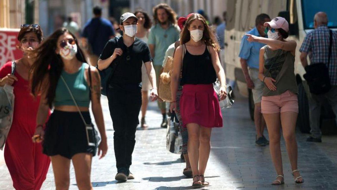 Un reputat epidemiolog avertizează: Restricţiile din cauza pandemiei ar putea fi menţinute chiar şi 15 ani!